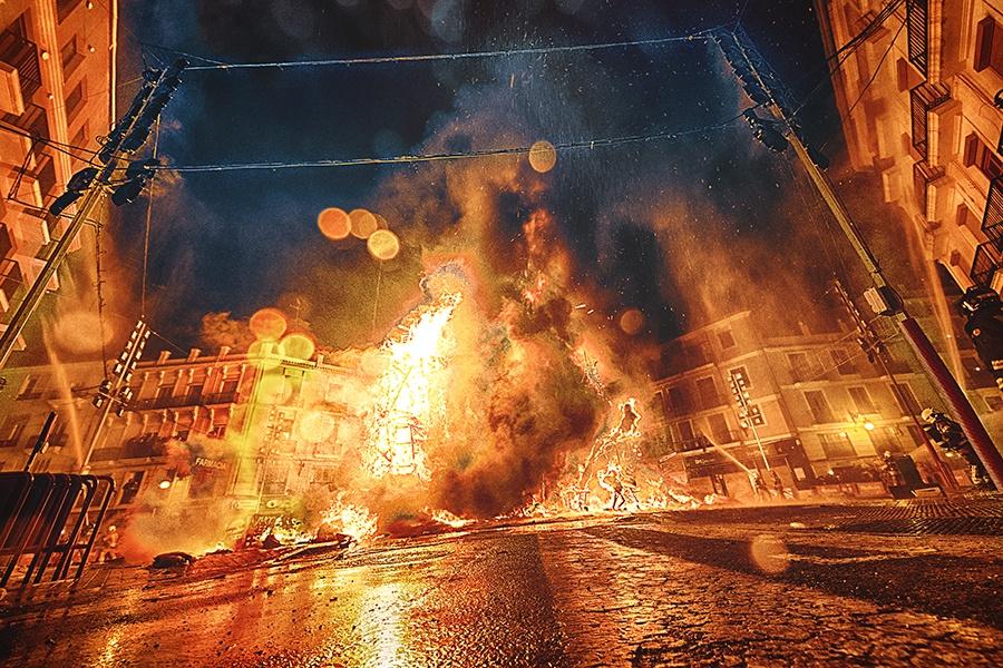 Fotografía de fallas en Valencia por Maribel Server